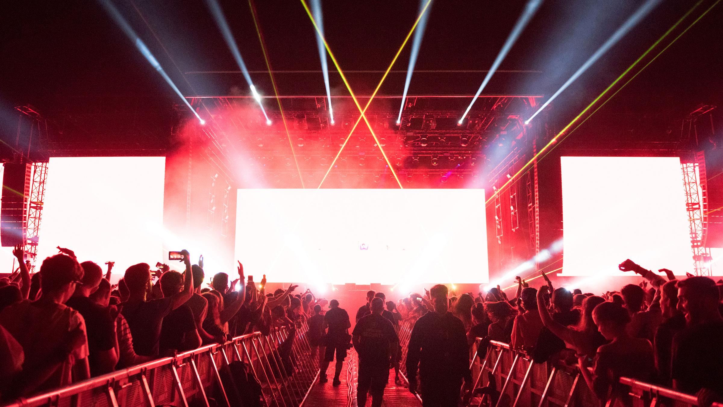 WebbyJones-FullImage-Concert-Lazers